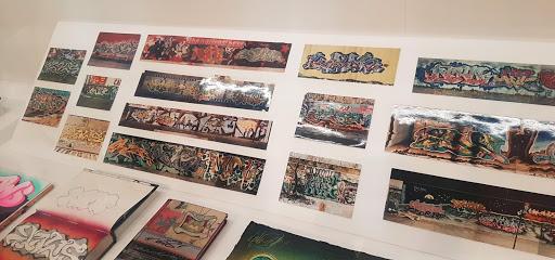 kaws, urban enhancement, street artists